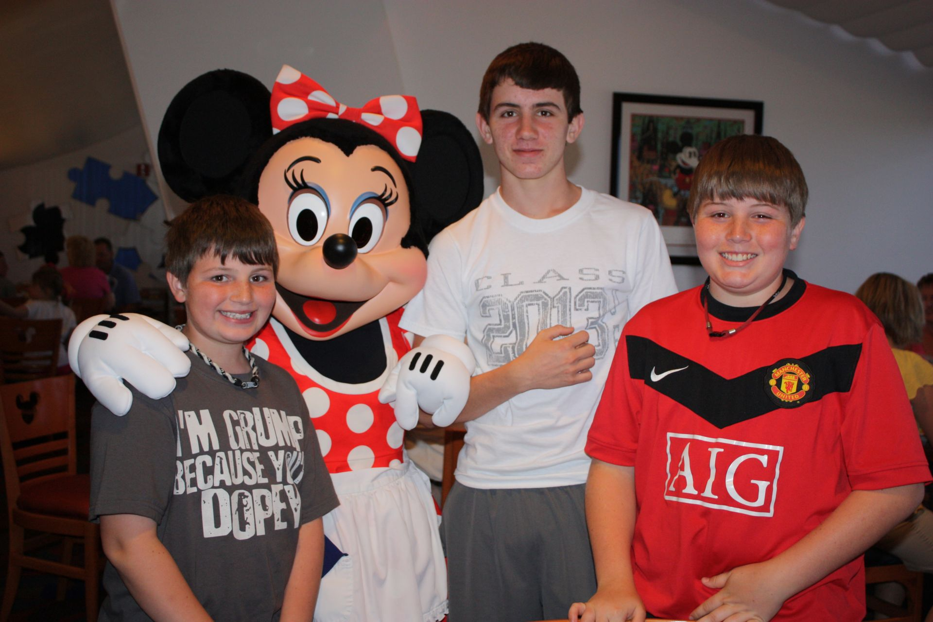 boys with minnie mouse