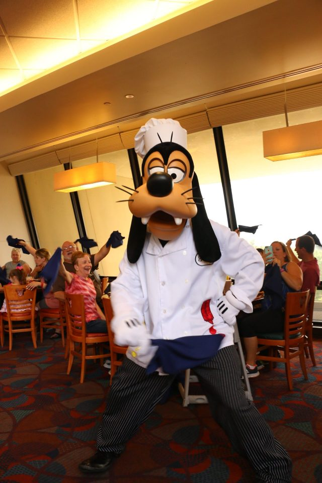 goofy dancing at chef mickeys