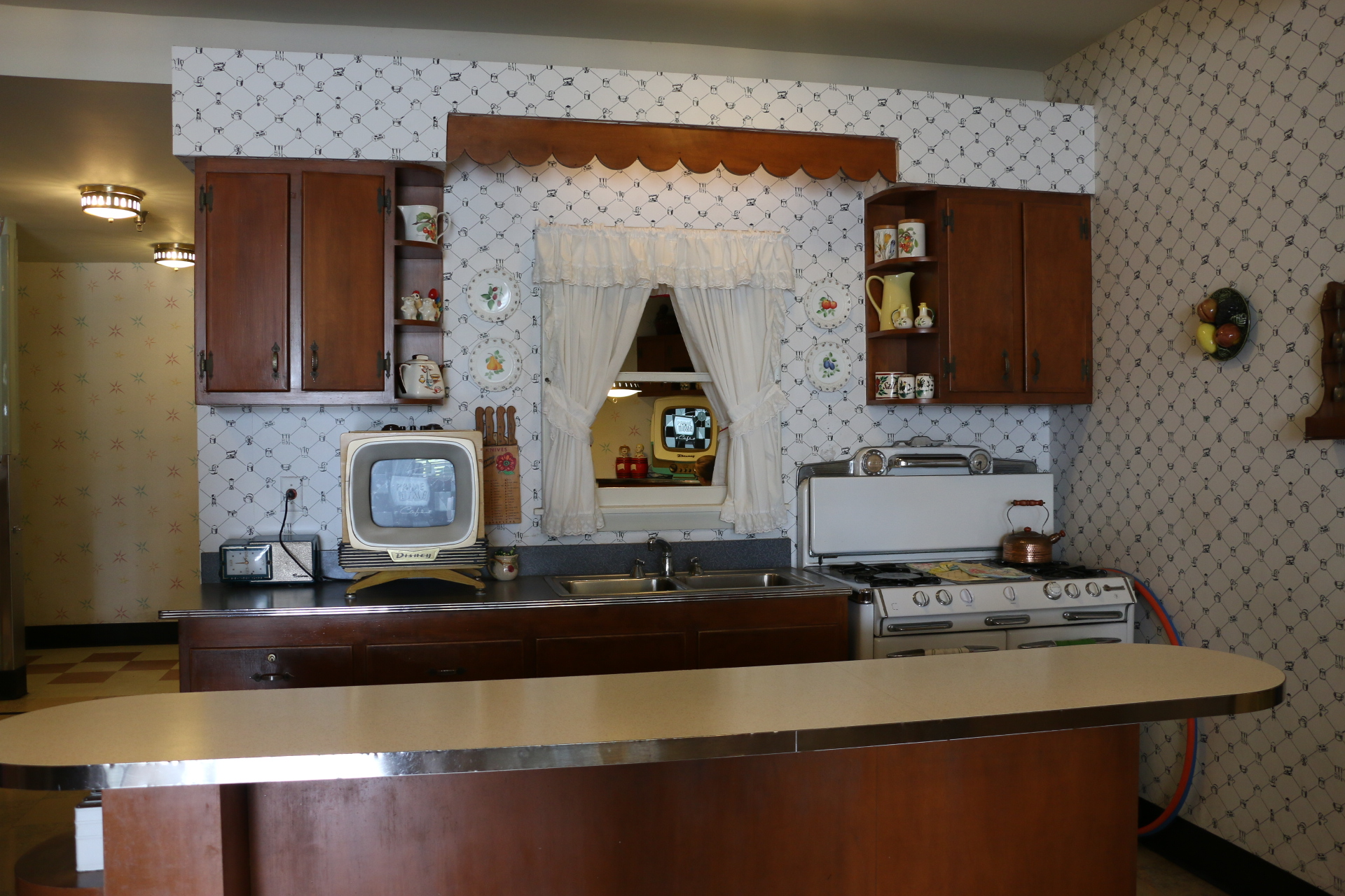 retro kitchen at 50s prime time